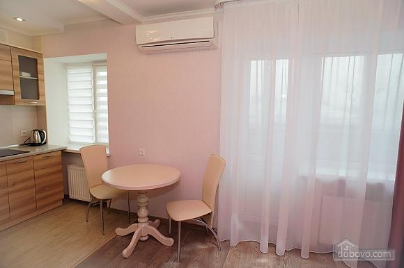 Квартира люкс класса недалеко от центра, 1-комнатная (65256), 007
