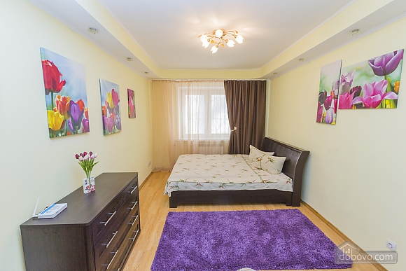 Apartment in 2 minutes from the metro, Dreizimmerwohnung (13350), 010