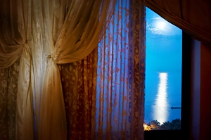 Villa by the sea, Six (+) chambres, 003
