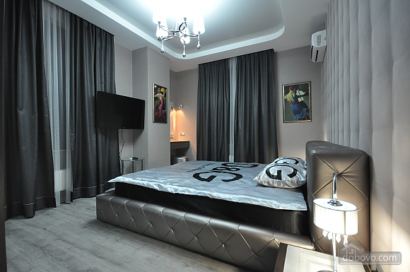 Deluxe Suite with 2 bedrooms, Two Bedroom (86899), 011