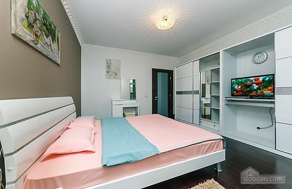 VIP апартаменты, 3х-комнатная (59475), 002