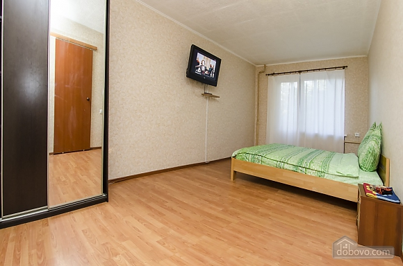 Studio apartment near NAU Shalimov railway station airport Zhulyany, Monolocale (26242), 005