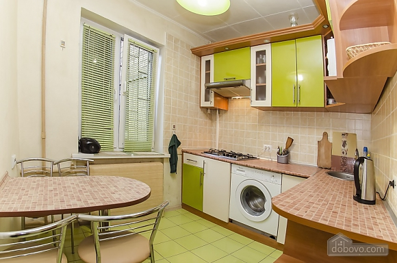 Studio apartment near NAU Shalimov railway station airport Zhulyany, Monolocale (26242), 002
