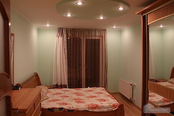 Квартира в центрі міста з терасою, 3-кімнатна (64665), 005