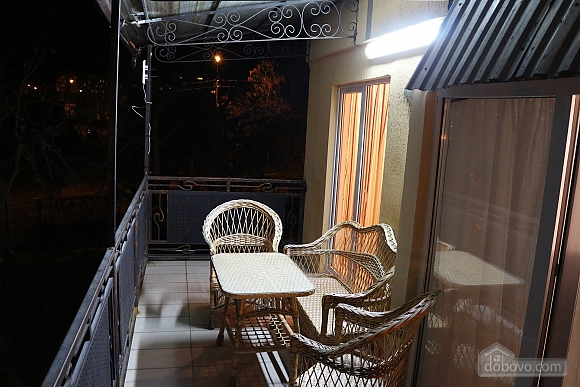 Квартира в центрі міста з терасою, 3-кімнатна (64665), 008