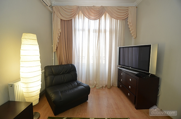 VIP квартира в центре города, 1-комнатная (88386), 002