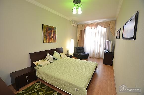 VIP квартира в центре города, 1-комнатная (88386), 001