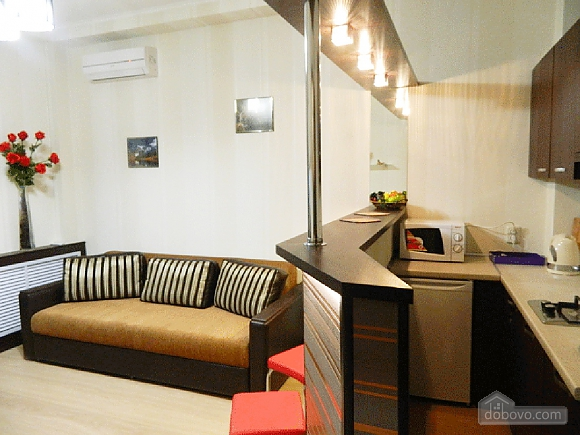 Apartment suite at Metro Pushkinska, Zweizimmerwohnung (76247), 001