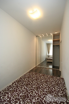 Comfortable stylish centrally located apartment, One Bedroom (53734), 006