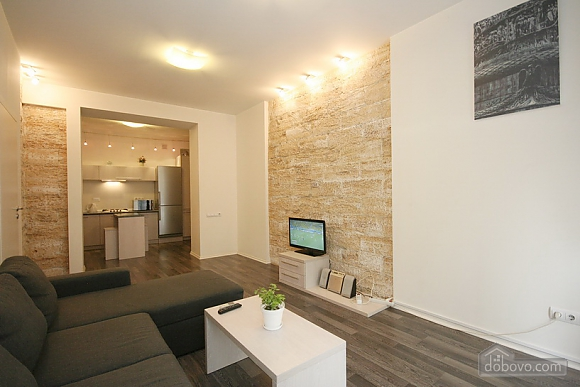 Comfortable stylish centrally located apartment, One Bedroom (53734), 009