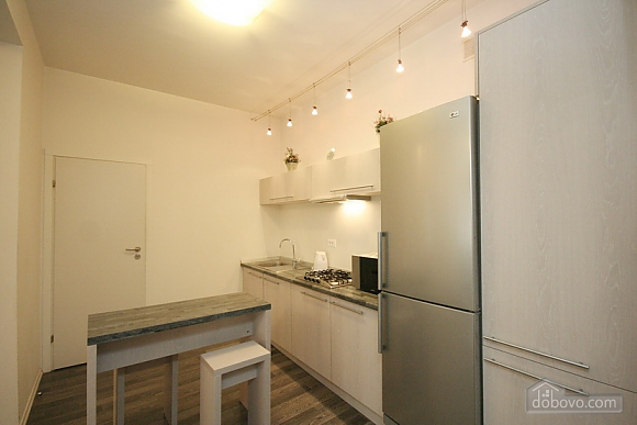 Comfortable stylish centrally located apartment, One Bedroom (53734), 013