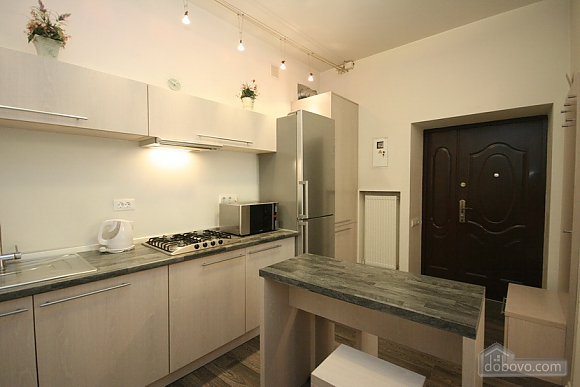 Comfortable stylish centrally located apartment, One Bedroom (53734), 014