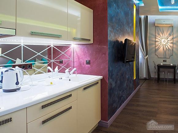 Дизайнерська квартира біля Майдану Незалежності, 2-кімнатна (38858), 002