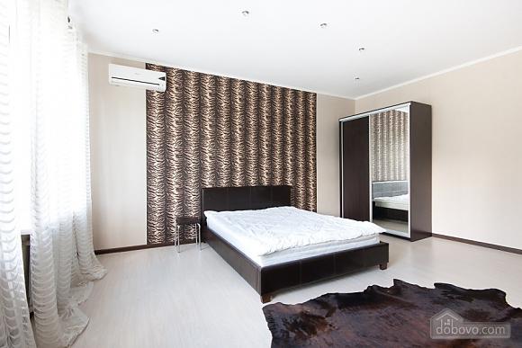 Apartment at the Svobody square, Un chambre (84320), 003