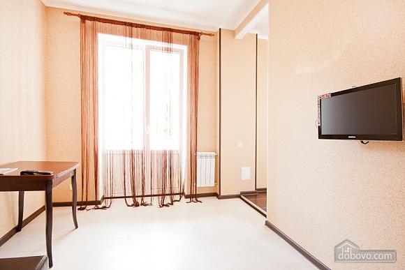 Apartment at the Svobody square, Un chambre (84320), 009