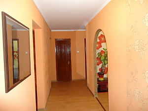 Cozy large apartment, Three Bedroom, 010