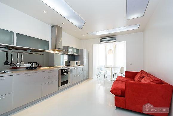 White spacious one-bedroom apartment with kitchen and jaсuzzi, One Bedroom (68634), 007