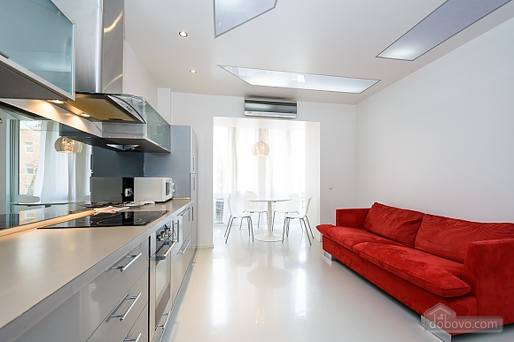 White spacious one-bedroom apartment with kitchen and jaсuzzi, One Bedroom (68634), 008