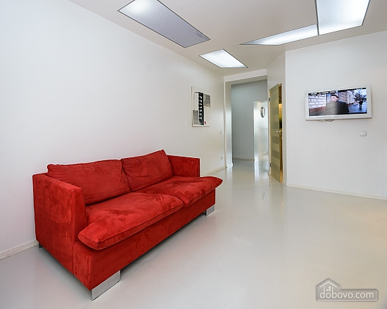 White spacious one-bedroom apartment with kitchen and jaсuzzi, One Bedroom (68634), 010