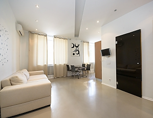 Bright and lovely one-bedroom apartment with jacuzzi, Un chambre, 002