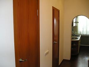 Гарна квартира біля метро, 1-кімнатна, 003