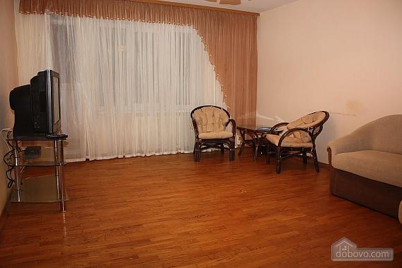 Spacious apartment near the metro, Tre Camere (14280), 001
