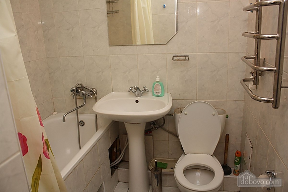 Spacious apartment near the metro, Tre Camere (14280), 006