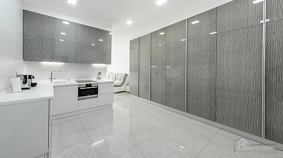 Светлая квартира в Аркадии, 2х-комнатная (96260), 009