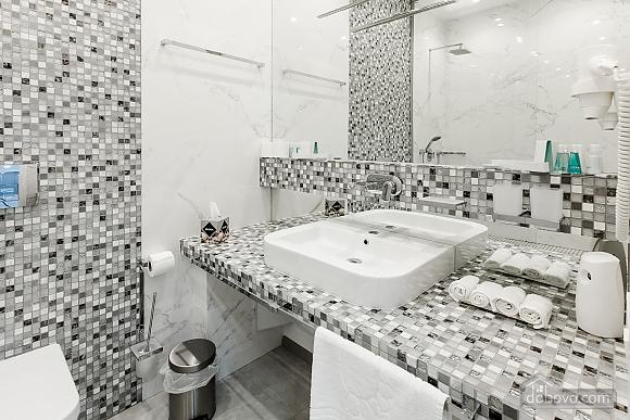 Светлая квартира в Аркадии, 2х-комнатная (96260), 017