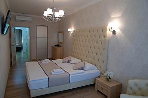 Apartment in the historical center, Studio, 002