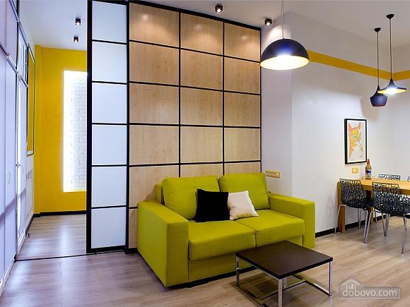 Дизайнерська квартира на Майдані Незалежності (сніданок в подарунок), 2-кімнатна (63531), 001