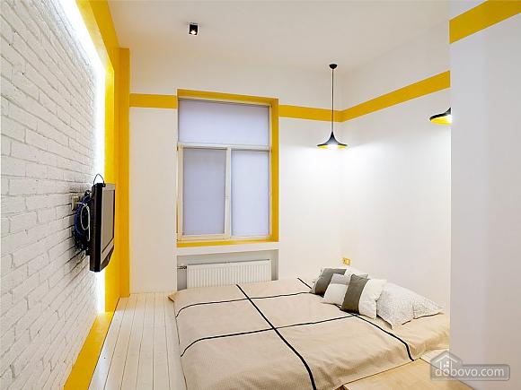 Дизайнерська квартира на Майдані Незалежності (сніданок в подарунок), 2-кімнатна (63531), 005