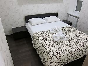 Big apartment at the Ekaterininska, Un chambre, 013