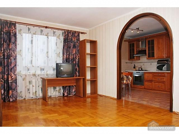 Apartment next to Bolshevik mall, Due Camere (81999), 002