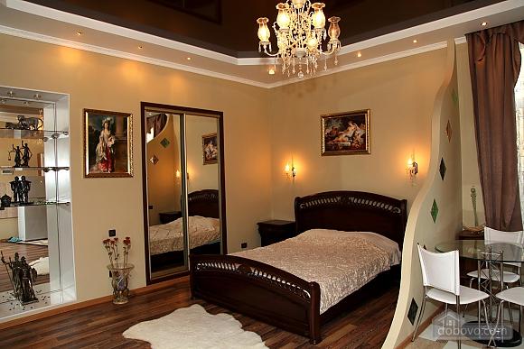 Квартира на центральной улице, 1-комнатная (48516), 001