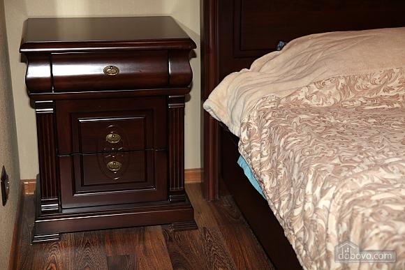 Квартира на центральной улице, 1-комнатная (48516), 002