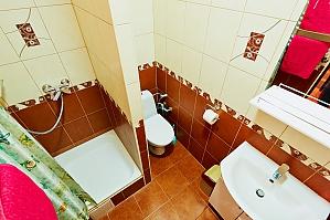 Квартира поряд з Оперою, 2-кімнатна, 002