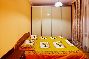 Квартира поряд з Оперою, 2-кімнатна, 003