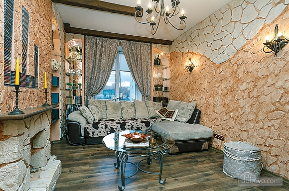 Квартира с дизайнерским ремонтом, 2х-комнатная (56492), 003