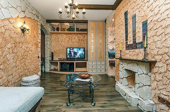 Квартира с дизайнерским ремонтом, 2х-комнатная (56492), 004