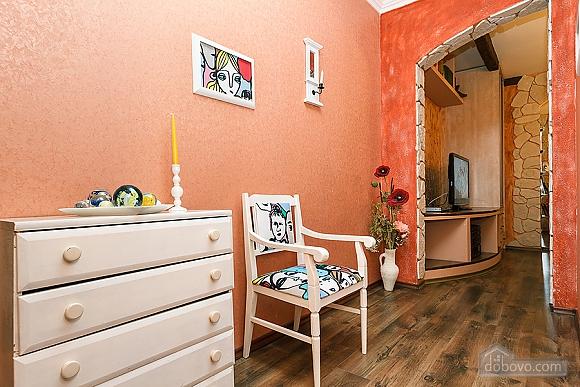 Квартира с дизайнерским ремонтом, 2х-комнатная (56492), 012