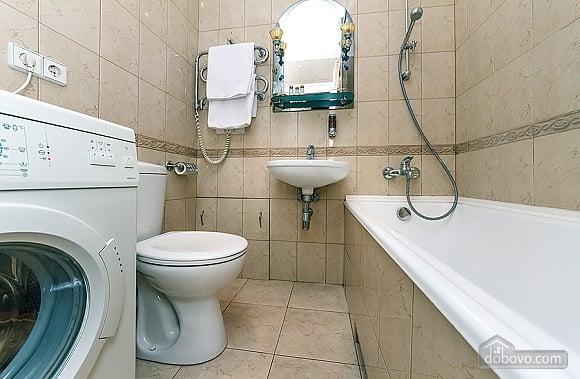 Квартира с дизайнерским ремонтом, 2х-комнатная (56492), 014