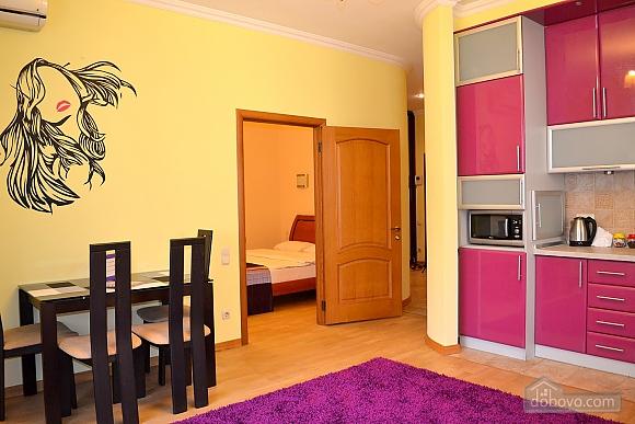 Апартаменты в элитном доме, 2х-комнатная (31057), 004