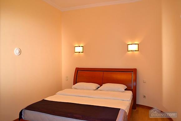 Апартаменты в элитном доме, 2х-комнатная (31057), 006