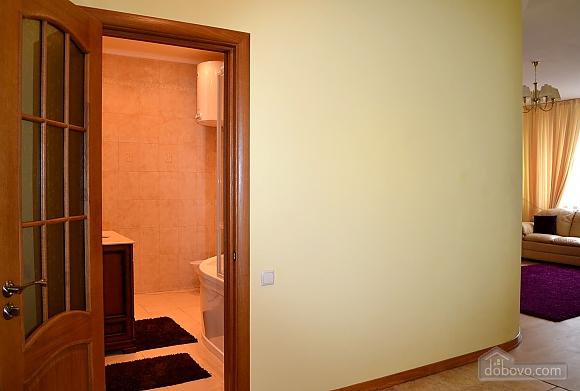 Апартаменты в элитном доме, 2х-комнатная (31057), 008