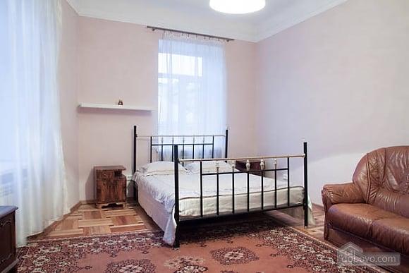 Квартира в центрі міста, 2-кімнатна (66231), 001