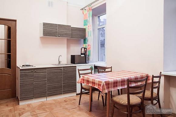 Квартира в центрі міста, 2-кімнатна (66231), 009