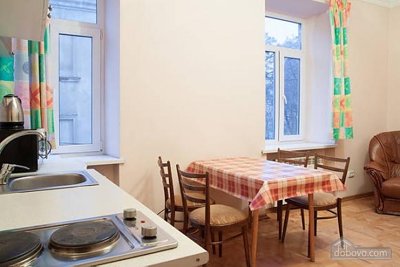 Квартира в центрі міста, 2-кімнатна (66231), 010