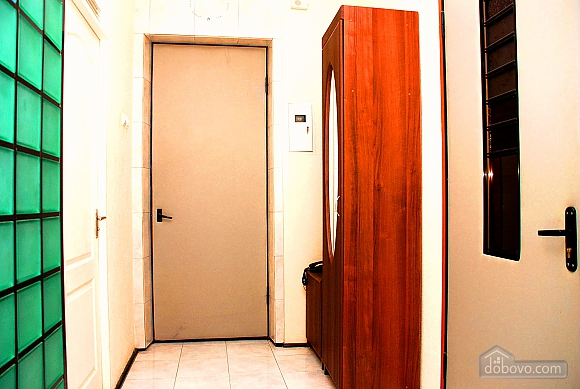 Светлая квартира возле метро, 1-комнатная (85234), 010