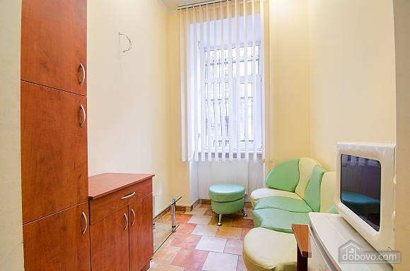 Квартира в самом центре, 2х-комнатная (88288), 007